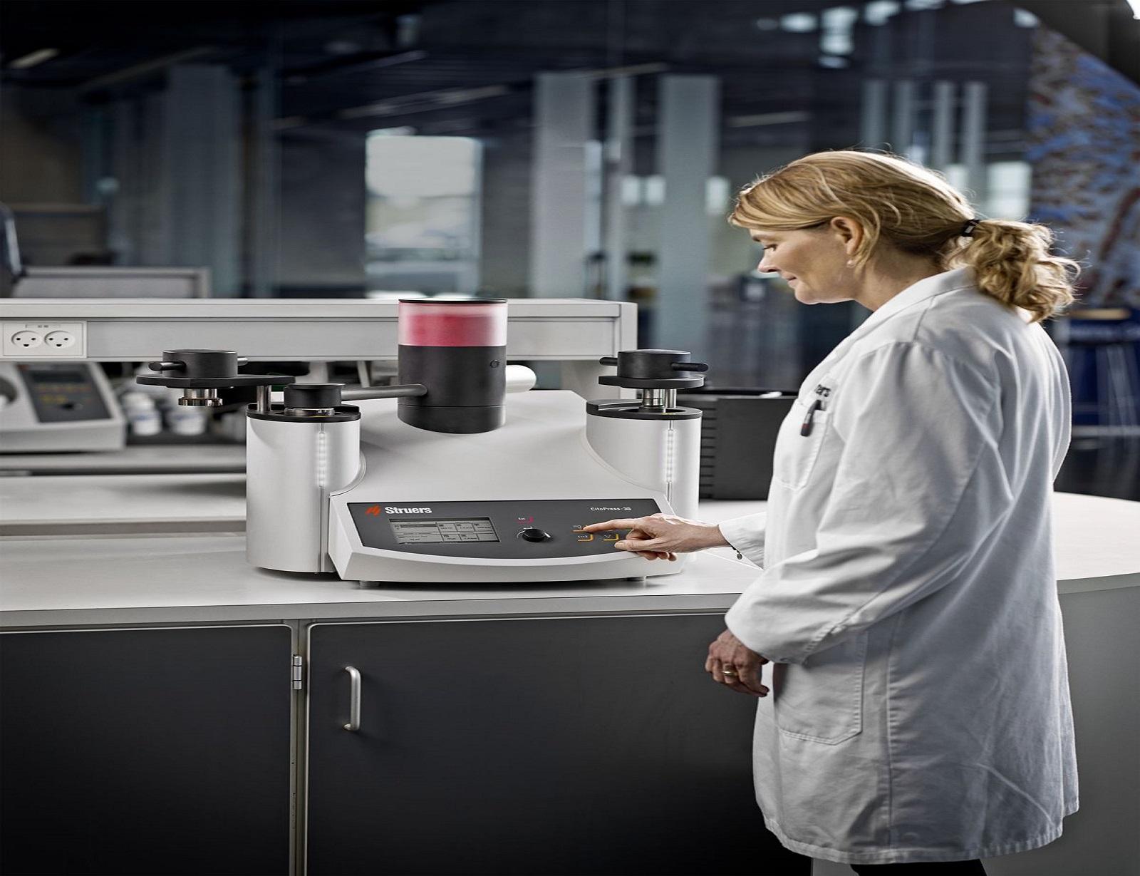 Преса за горещо заливане на металографски образци в смола : CitoPress-15-30